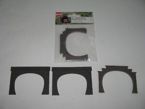 N Gauge Busch N8192 Double Track Tunnel Portal x 3 + 2 Extra, Make Unknown