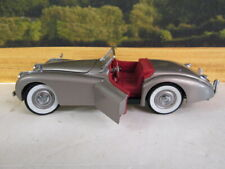 DANBURY MINT. Jaguar XK120. 1949. Bronze. 1:24.