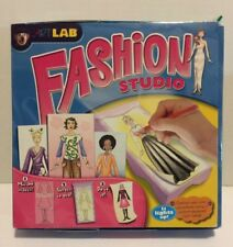 Art Lab Fashion Studio - Lights Camera Fashion - Light Up Tracing Desk  Drawing