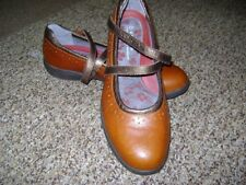 New Balance Mary Jane brown leather Aravon flats 9.5