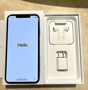 iPhone XS Max 256GB Space Gray Pristine Condition! Extras!!