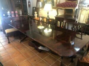 Federal Style Mahogany dining Table 3 leaf's