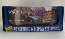 NEW Lindberg Build & Display Police Ford Crown Victoria Asylum Security Car