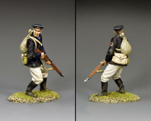 KING & COUNTRY FALL OF BERLIN RA081 RUSSIAN NAVAL INFANTRY RIFLEMAN LOOKING BACK
