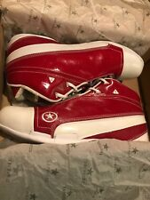 2006 Dwayne Wade Converse 1.3 MID Christmas Edition Basketball Shoes. Size 11.