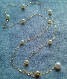 Bezaubernde 750 Goldkette mit Akoya- Perlen