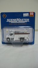 Walthers Ho International 4300 Utility Truck w/Drill Mow White 949-11733