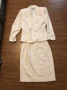 Kasper ASL Suit Women Size 8P Petite White Skirt And Jacket
