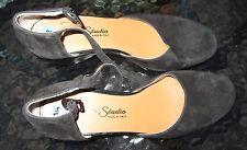 Gama Studio womens black fuzzy leather heel shoes size 6 1/2