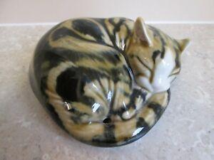 BEAUTIFUL CLARE MCFARLANE  SLEEPING TABBY CAT -  SIGNED