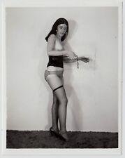 Fetisch KORSETT PETITE TOPLESS WOMAN LINGERIE CORSET Fetish * Vintage 60s Photo
