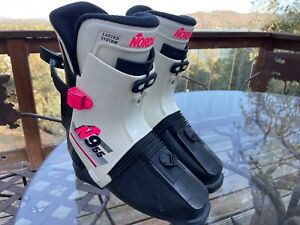 Cool pair of Nordica N955 Rear Entry Ski Boots — Size 27.5/ 9.5 US