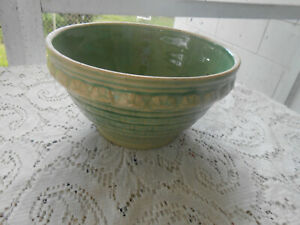 VTG Green Basket Weave Mixing Bowl Yellow Ware Robinson Ransbottom Crown