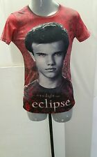 Hot Topics Graphic T-shirt Adult . The Twilight Saga-Eclipse. XS/ Red.