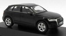 Voitures, camions et fourgons miniatures noirs Schüco pour Audi