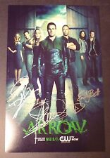 "ARROW Cast(x3) Authentic Hand-Signed ""STEPHEN AMELL"" 11x17 Photo (PROOF)"