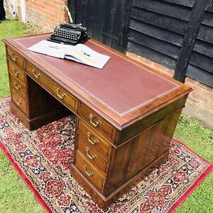 Antique Edwardian Pedestal Desk in Walnut