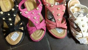 Girls sandals elasticated strap, peach/black/white. pink 12,13,1,2,3 new pearl.