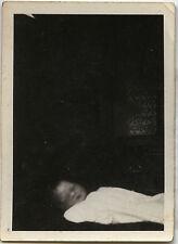 PHOTO ANCIENNE - VINTAGE SNAPSHOT - ENFANT DÉFUNT MORT POST MORTEM - CHILD DEAD