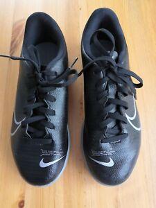 Kinder Hallen-Fußball-/Sportschuhe Nike Mercurial schwarz Gr. 36,5
