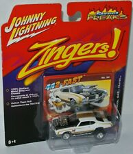 Zingers - 1972 OLDSMOBILE HURST 442 - white/gold - 1:64 Johnny Lightning