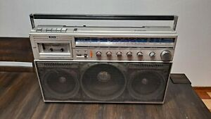 Magnavox D8443 Power Player Boombox Ghettoblaster Cassette AM FM Shortwave Radio