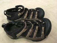Keen Sandals 10 Boys Black Brown Striped Closed Toe Active Sport