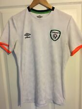 2016/2017 Republic of Ireland training football shirt Umbro small men's rare