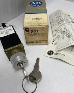 Allen Bradley 800MR-J631B Ser A Keyed Selector Switch 3 Position
