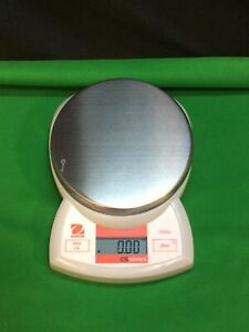 Ohaus CSSERIES 2000 Scale, Balance, Capacity 2000g x 1g , No adapter.