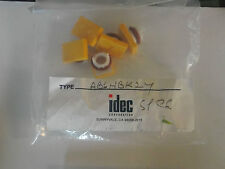 AB6H-BK2-Y IDEC - QTY  5 - NEW SQUARE Lens YELLOW FOR IDEC SWITCH