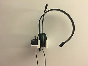 Xbox One/360 Wall Mounted Headphone/Headset Stand/Holder - WHITE