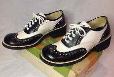 1960s Young Modes Black & White Chunky Platform Lace Up Oxford Shoes Womens 7.5