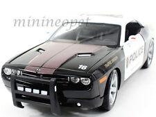 MAISTO 2006 DODGE CHALLENGER CONCEPT HEMI 6.1 TRAFFIC DIVISION POLICE CAR 1/18