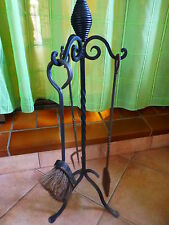 ancien serviteur de cheminée ,fer forgé avec 3piéces