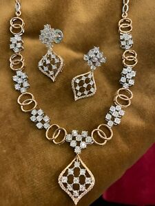 1.67 Cts Round Brilliant Cut Diamonds Necklace Earrings Set In 585 Fine 14K Gold