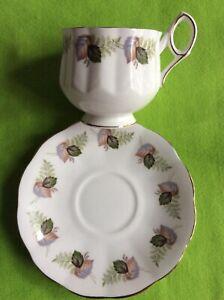 ELIZABETHAN*Fine Bone China*Tea Cup&Saucer*Green&brown leaves* Gold trim*England