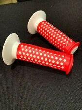 NOS VINTAGE MOLD WHITE RED F1 DESIGN GRIPS