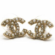CHANEL CC Logos Pearl Stud Earrings Gold tone w/BOX excellent x7074