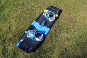 Kiteboard Fone Trax Carbon 2016 136 x 40.5 Blau / Schwarz