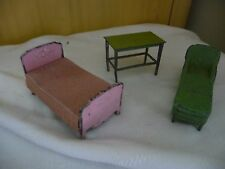 vtg LOT 3   2 tin TOOTSIE TOY  Chaise lounge  & table  dollhouse 1 unmarked bed