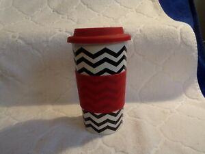 California Pantry Black White Zig Zag red silicone lid and sleeve  2015
