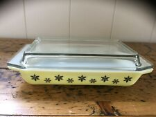 PYREX SNOWFLAKE OBLONG SPACE SAVER CASSEROLE WITH LID