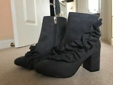 Womens Grey Ankle Boots Faux Suede Zip High Heel size 4