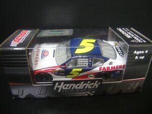 Mark Martin 2011 Farmers Insurance #5 Impala 1/64 NASCAR SPRINT CUP