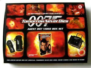 JAMES BOND 007 : TOMORROW NEVER DIES VHS VIDEO, MICRO CAMERA & RADIO 1998 SET.