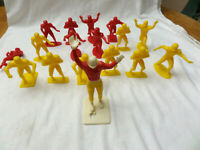 """VINTAGE TOY 17 LOUIS MARX & CO 1969 4"""" HIGH PLASTIC FOOTBALL PLAYERS FIGURES"""