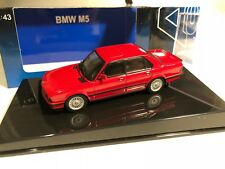 1/43 AUTOart BMW E28 ///M5 M5 Zinnober Red/Black Opening Engine