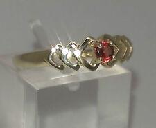 Anelli di lusso con gemme rosse in oro giallo 9 carati