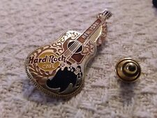 Hard Rock New York Guitar Pin,S/H combined no additional charge